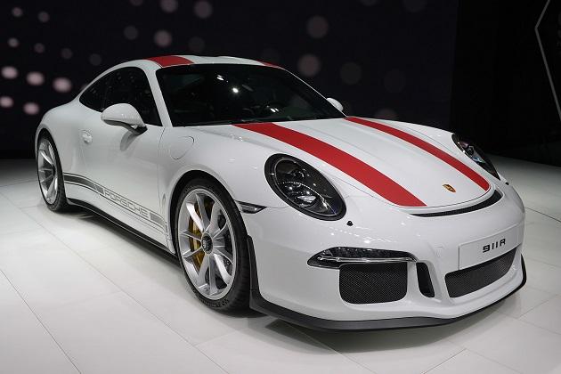 【ジュネーブ・モーターショー】ポルシェから、純粋主義者向けの限定モデル「911 R」が登場