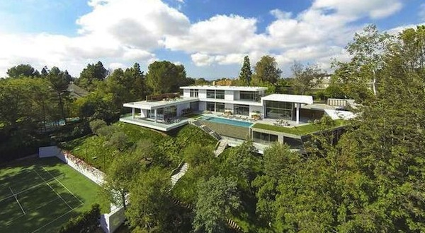 celebrity mansion that will disgust you, beyonce and jay z mansion