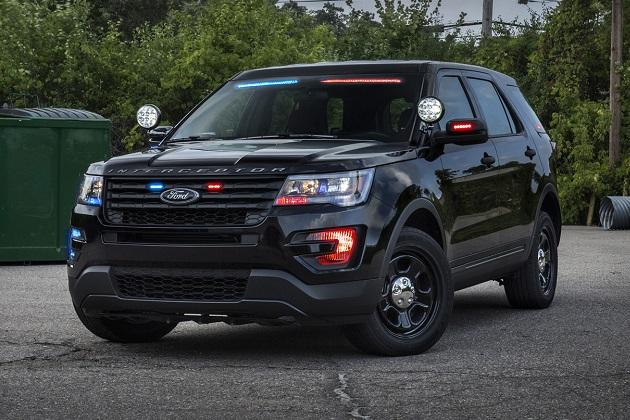 新型ライトバーの採用で一般車両と見分けることがさらに難しくなった、フォードの「ポリス・インターセプター・ユーティリティ」