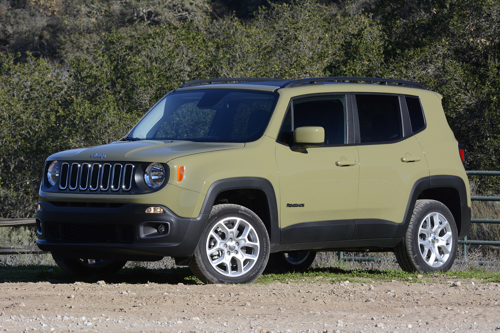 2015 jeep renegade w video. Black Bedroom Furniture Sets. Home Design Ideas