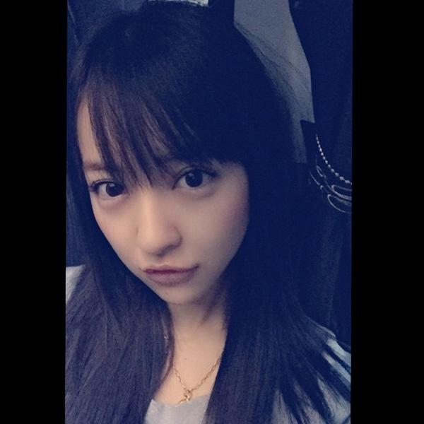 元AKB48板野友美が黒髪姿の写真を披露 「ぐうかわ」「人形みたい」と絶賛の嵐