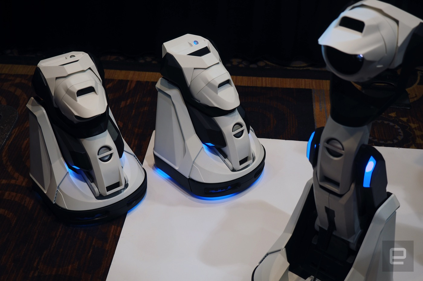 Here's a transforming robotic video projector