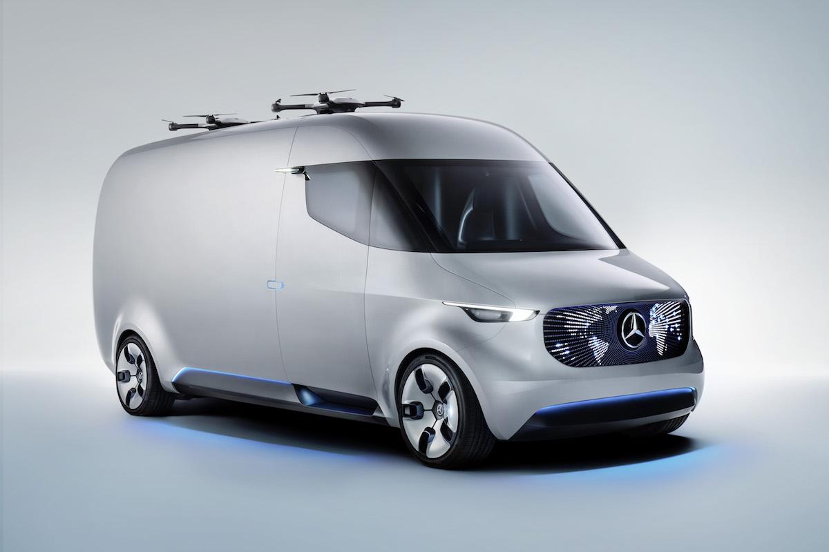 Mercedes Benz adVANce: Intelligentes Lieferfahrzeug als Drohnen-Basis