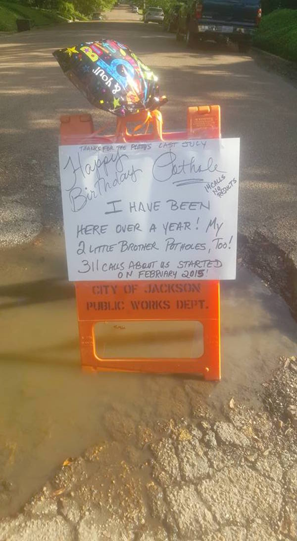 Mississippi Guy Celebrate Pothole's Birthday In Order To Get City To Fix It