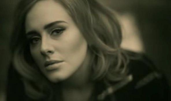 アデルの歴史的ヒット曲「Hello」が世界中でカヴァー!中には1.9億再生の大ヒットも【動画】