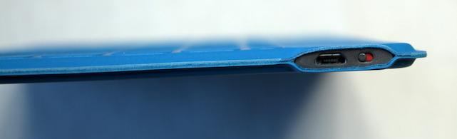 Edge view of Logitech Keys-To-Go Bluetooth Keyboard