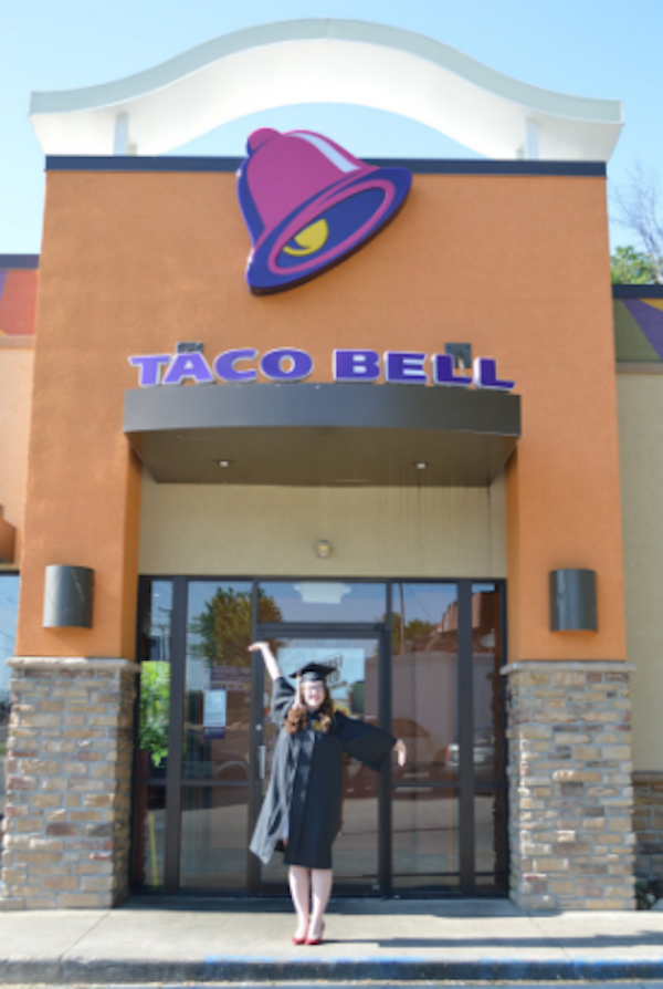 A Bunch Of Graduates Posed At Taco Bell This Year