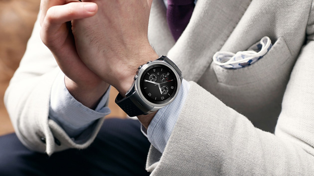 LG's premium smartwatch now comes with LTE and mobile payments