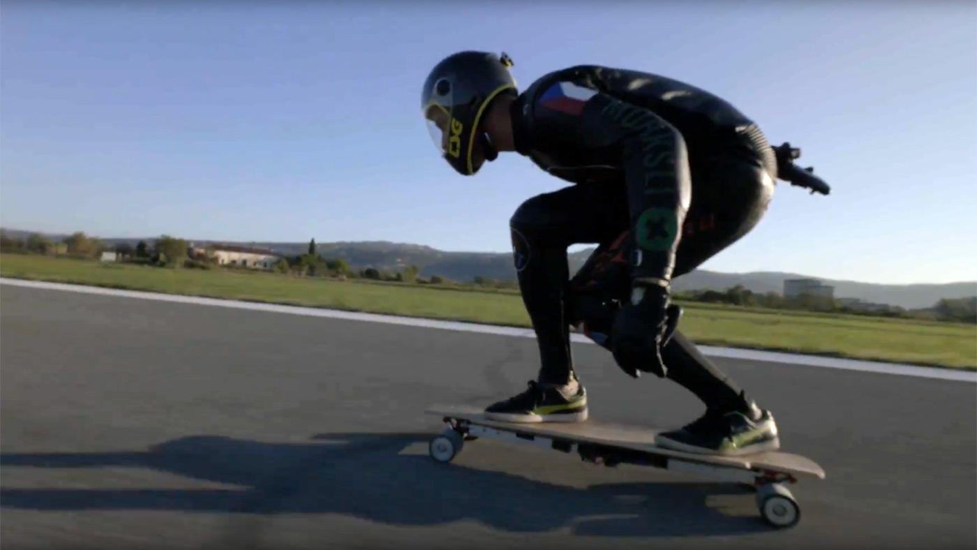 Watch the fastest-ever electric skateboard run