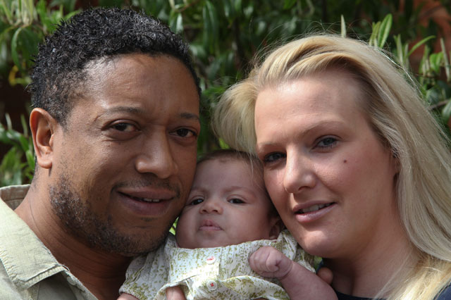 Dad saves newborn daughter's life thanks to TV medical drama