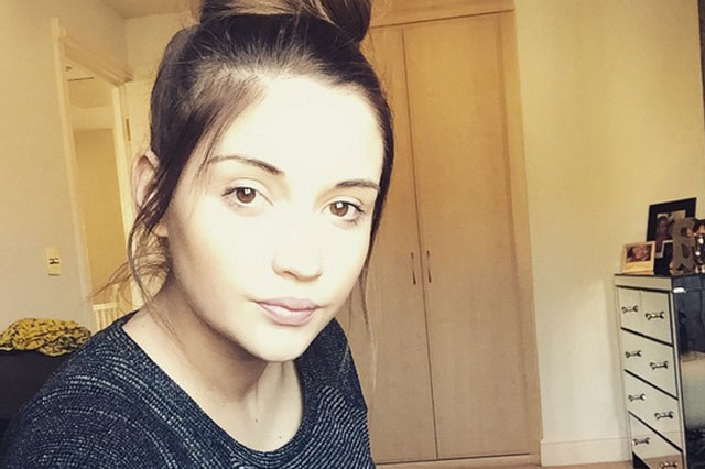 'Come on babyyyyyyy' Pregnant Jacqueline Jossa is fed up waiting for her baby girl to be born