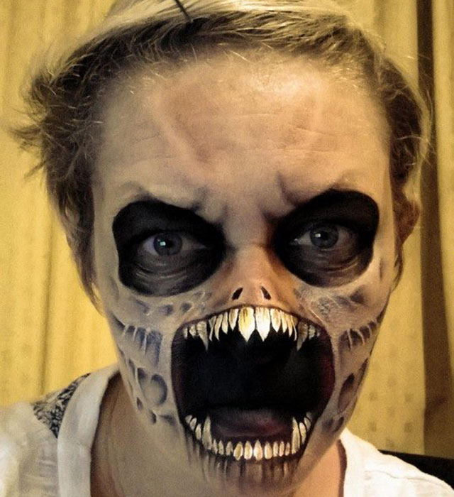 Mums Amazing Halloween Face Painting Tutorial Goes Viral - Amazing Halloween Face Paint
