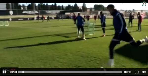 元スペイン代表ネグレド、ゴールに蹴り込む超絶テクニックがスゴすぎると話題
