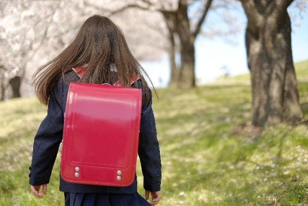 「女児を見ていた」として通報の事案に、「むちゃくちゃすぎる」「もう外歩けない」