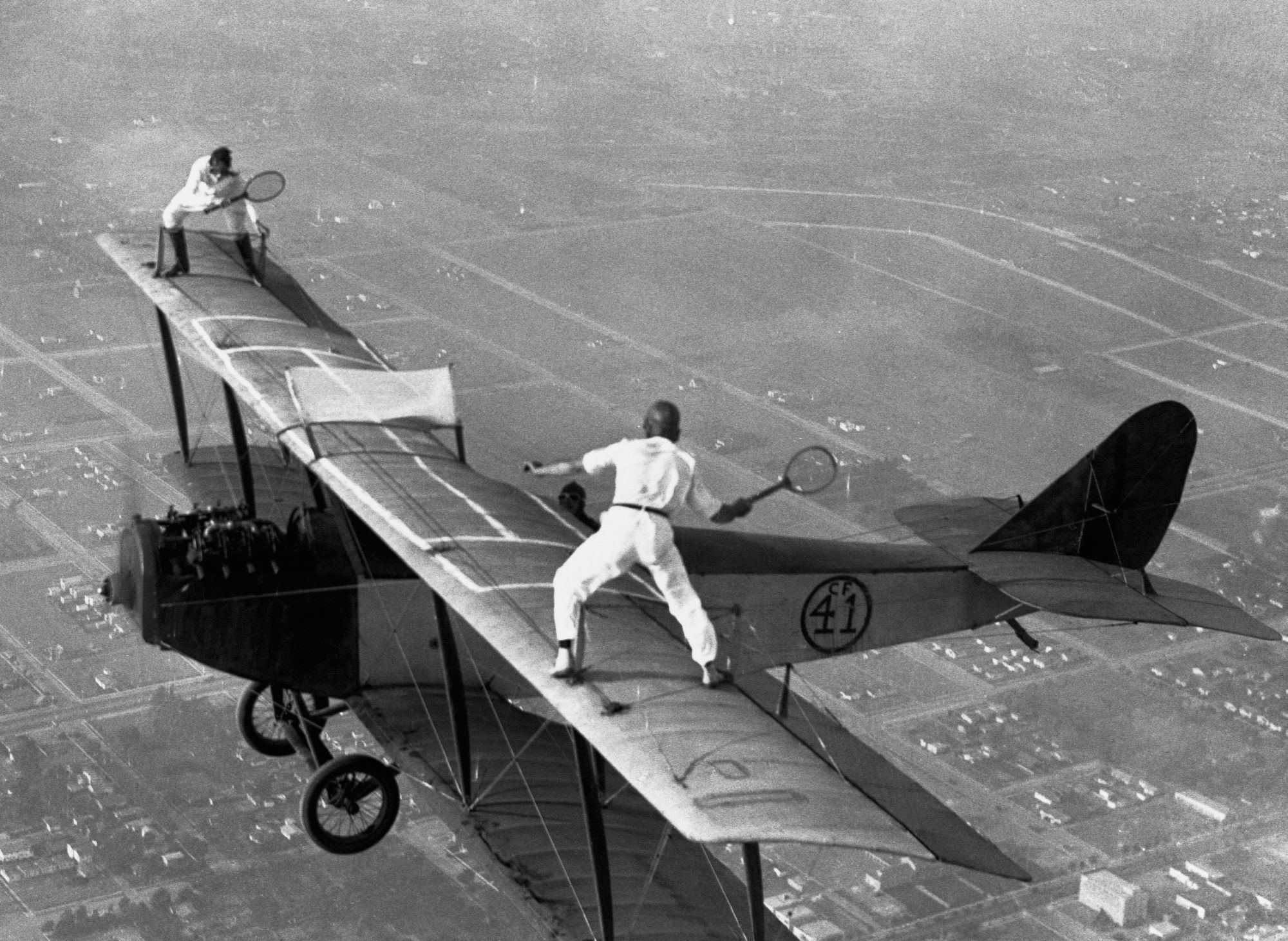 manliest photos on the internet, funny manly images, wing-walkers playing tennis