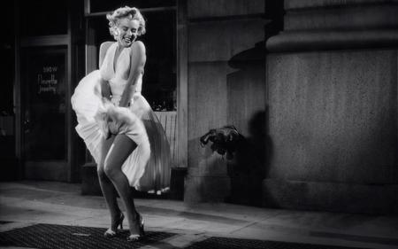 Marilyn Monroe wardrobe malfunction