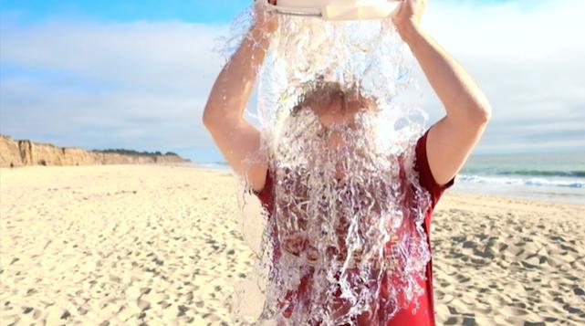 Apple's Phil Schiller takes the ALS Association Ice Bucket Challenge