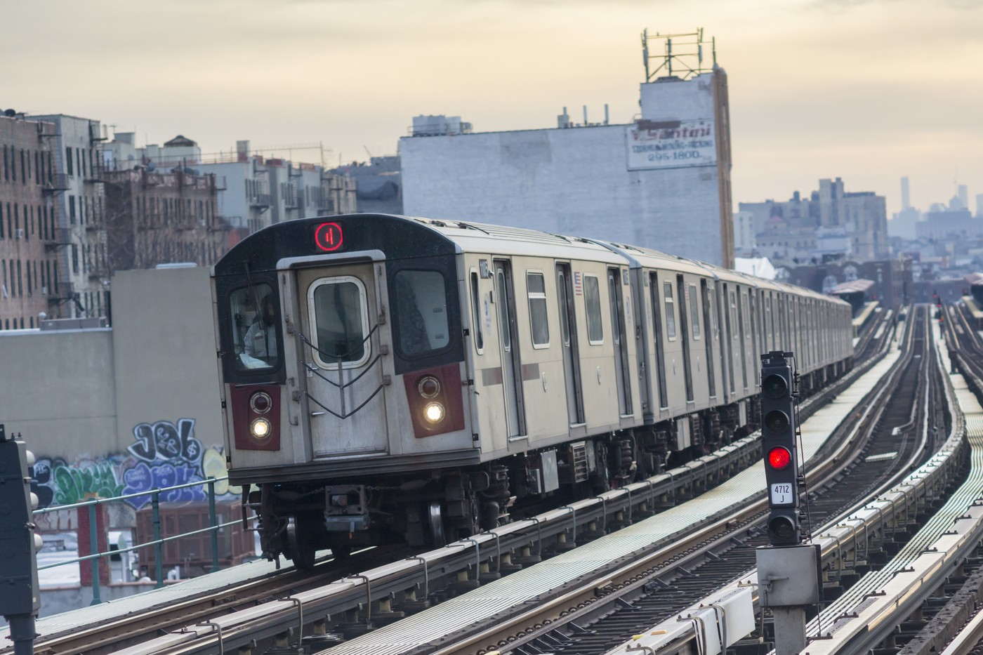 A Number 4 IRT elevated subway train in the Bronx in New York on Thursday, January 7, 2016. (�� Richard B. Levine) (Photo by Richard Levine/Corbis via Getty Images)