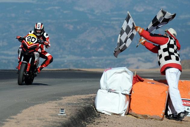 パイクスピークでスポーツバイクの参戦が禁止に レース界からは批判も