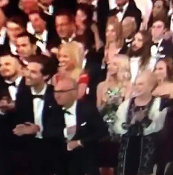 アカデミー賞逃したマイケル・キートン、スピーチの紙を隠す姿が悲しすぎると全米が涙