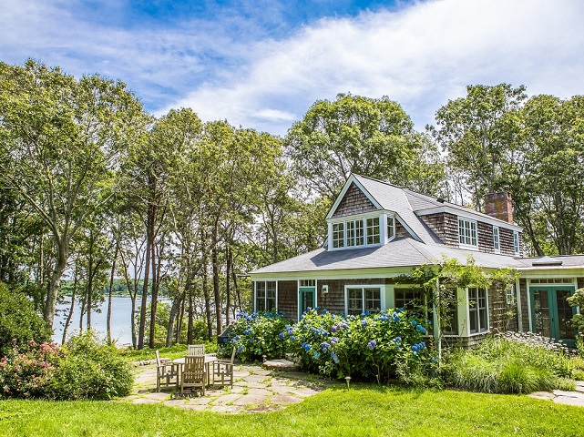 49 Kuffies Point Way in Vineyard Haven, MA