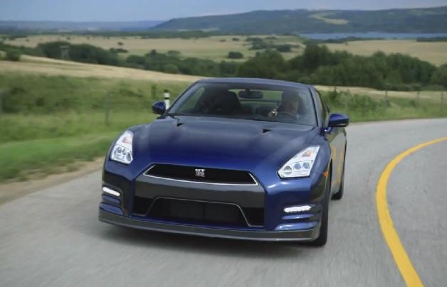 【ビデオ】日産「GT-R」でアルバータ州からカナディアンロッキーへドライブ