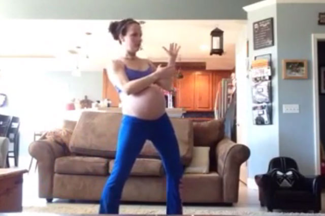 Pregnant woman dances to Thriller to try to induce labour (Video)
