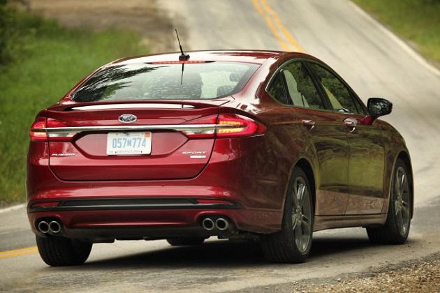 メキシコから米国に出荷されたフォード「フュージョン」のトランクから再び麻薬が発見される