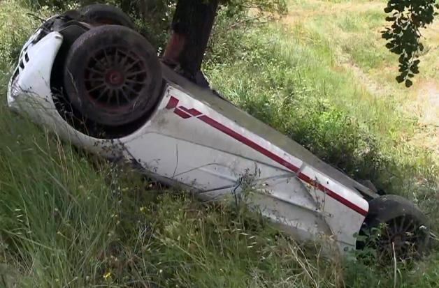 【ビデオ】希少なマクラーレン「F1」が大破! 現場には俳優ローワン・アトキンソン氏の姿も