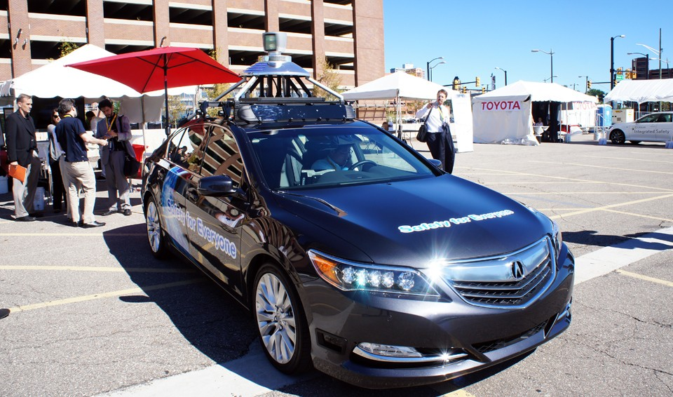 Take a ride in Honda's self-driving car (video)