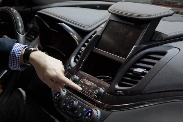 【レポート】米国で新車のハイテク・オプションに費やしてもいい金額は平均約18万円