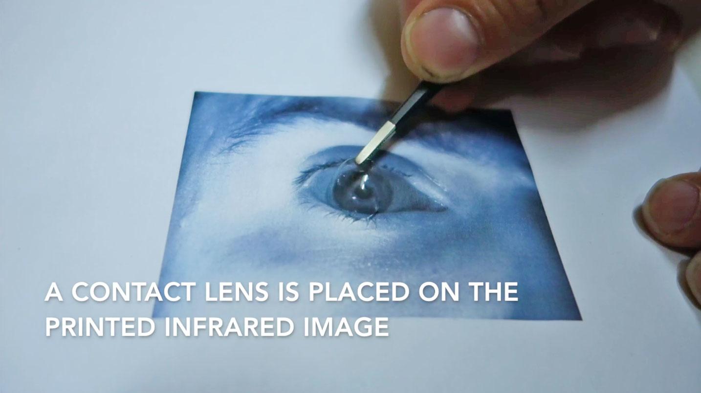 Burlan el sensor de iris del Galaxy S8 con una técnica un tanto peculiar