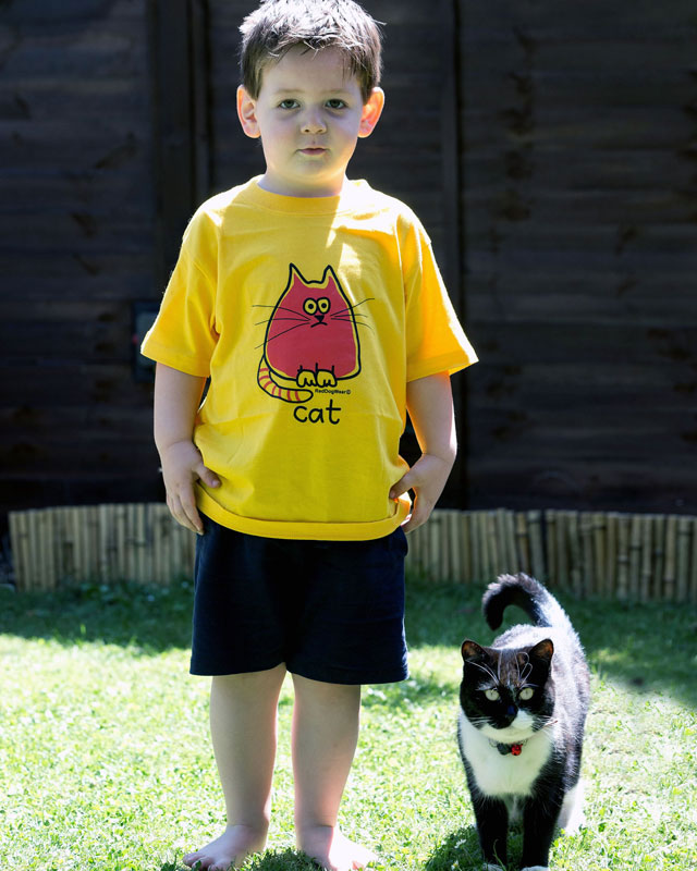 Pet cat Milly Moo walks toddler William Dutton to school to help him overcome nerves
