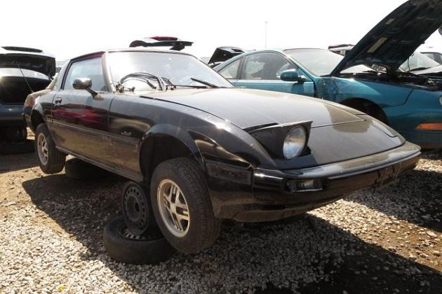 マツダの1981年型「RX-7」を米のジャンクヤードで発見