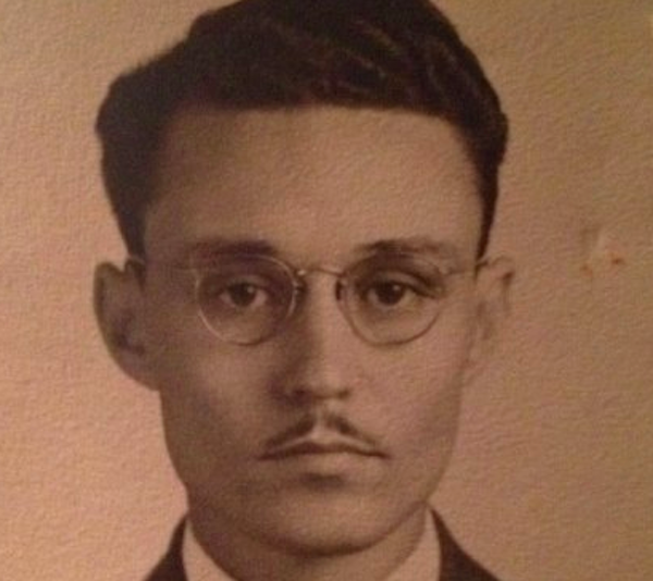 Someone's Great Grandfather Looks Exactly Like Johnny Depp