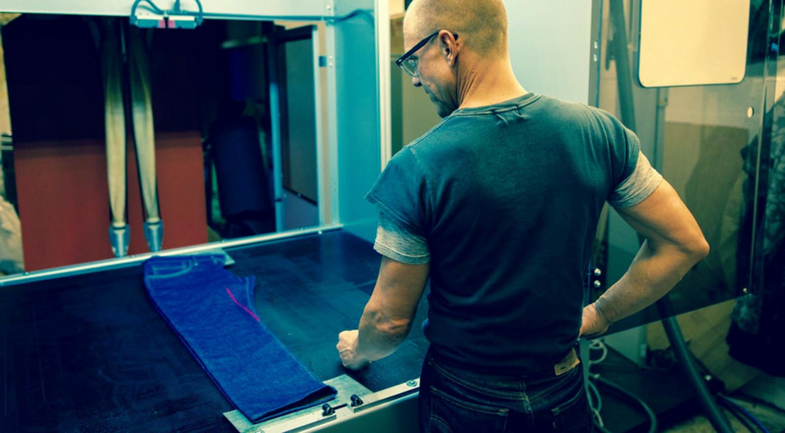 Project FLX: Laser sollen Jeans den letzten Schliff geben