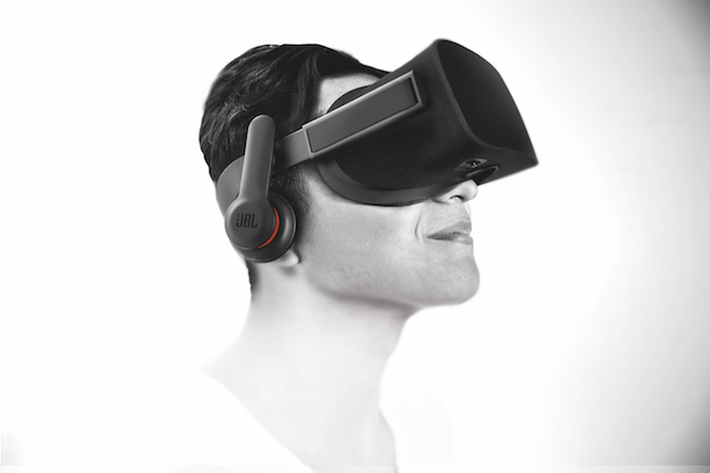 JBL stellt Kopfhörer für die Oculus Rift vor