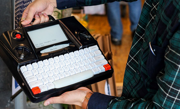 Hemingwrite wants to improve writers' productivity by 2015