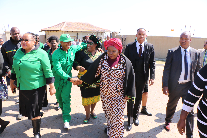 Dlamini-Zuma chased from Marikana koppie