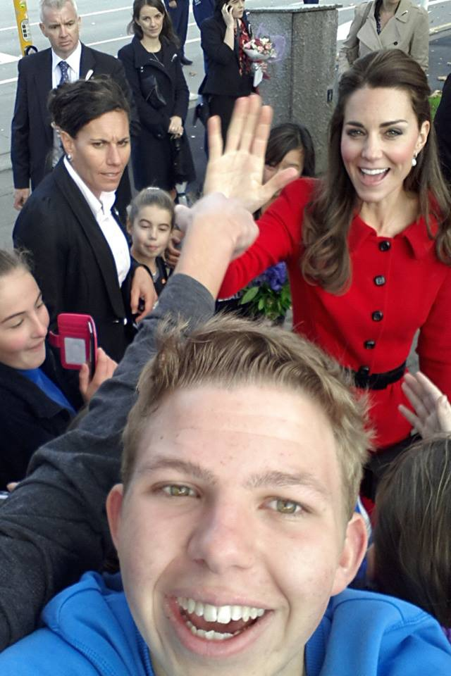 Kate Middleton Photobombs Fans In New Zealand And Makes Us Love Her Even More