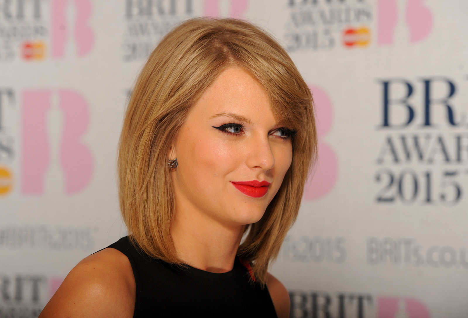 File photo dated 25/2/2015 of singer Taylor Swift whose fans have shared their excitement after they were among a select few to preview her highly anticipated new album Reputation at a listening party in the UK.