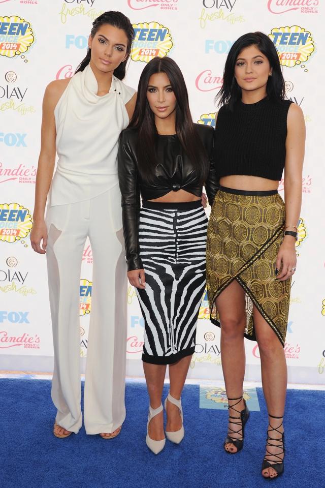 Kim Kardashian, Kendall Jenner and Kylie Jenner hit 2014 Teen Choice Awards