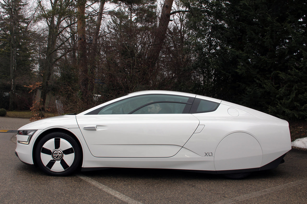 vw xl1 priced at 169 000 in uk only 30 will be sold there. Black Bedroom Furniture Sets. Home Design Ideas