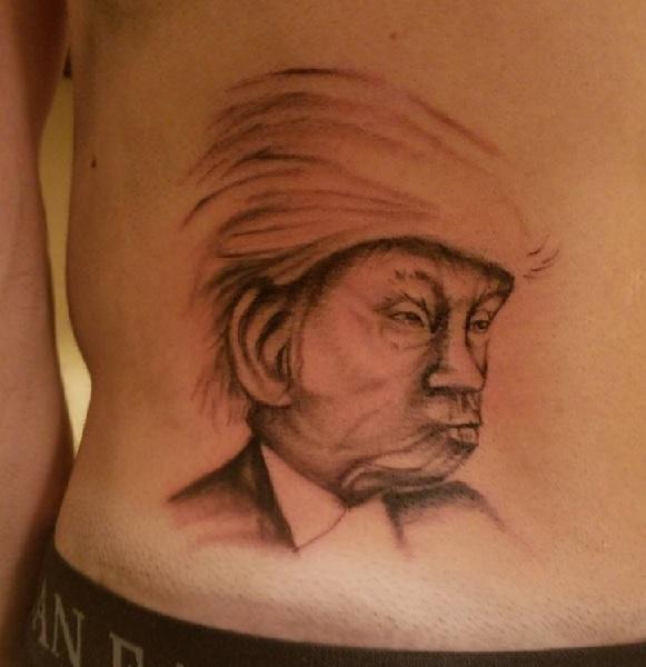 大統領選の賭けに負けてトランプのタトゥーを入れることになった男性