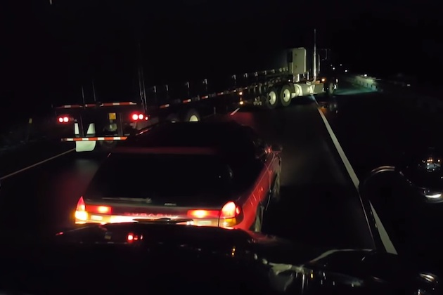 【ビデオ】米国オレゴン州の高速道路で、トラック運転手が団結して泥酔ドライバーの運転を阻止