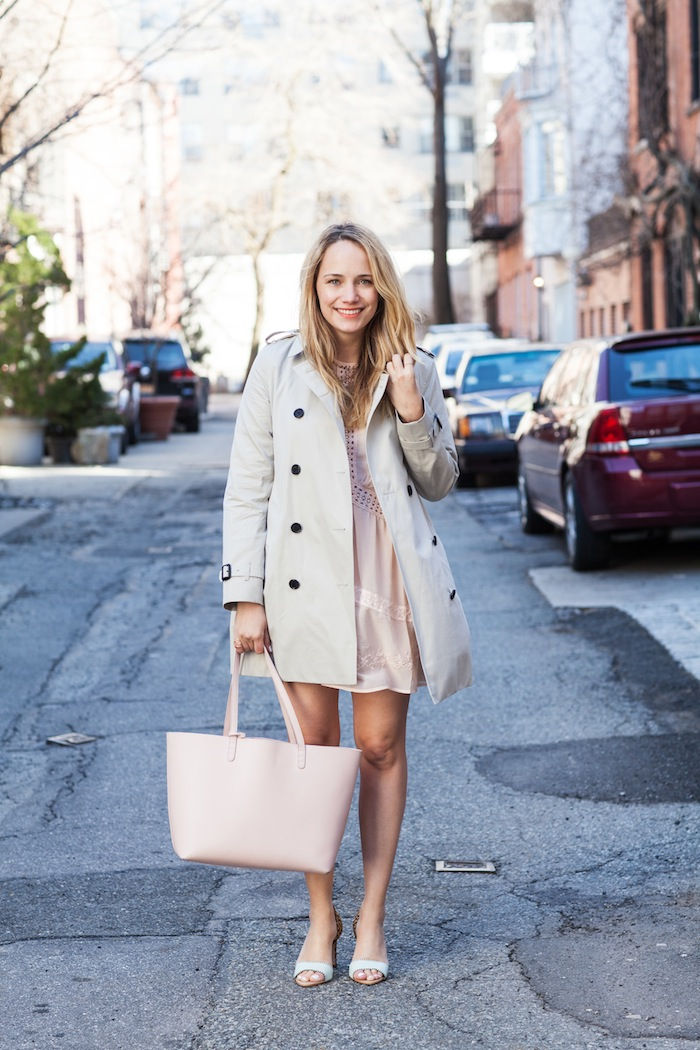 Street style tip of the day: Classic trench