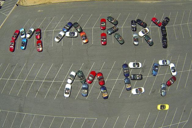 44台のマツダ「ロードスター」が