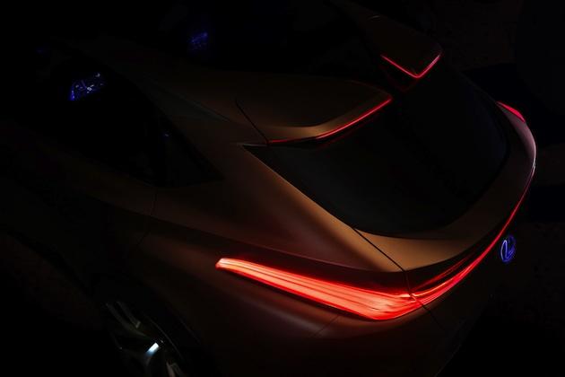 レクサス、北米国際自動車ショーで公開するクロスオーバーのコンセプト「LF-1 Limitless」をチラ見せ!