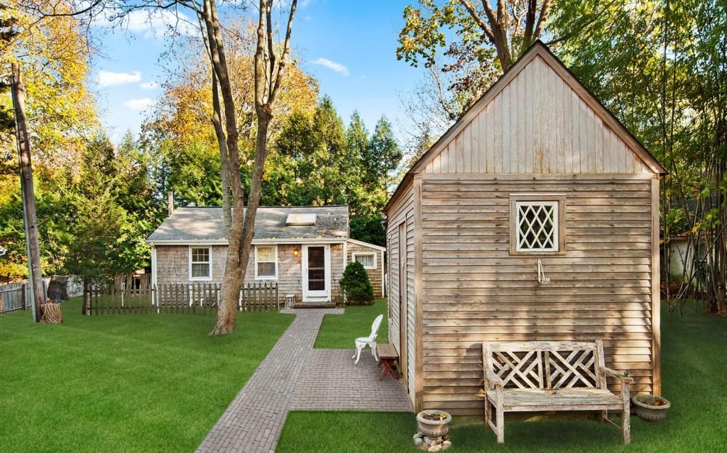 Tiny-home-exterior-3e3d11-e1448917966429-1024x639.jpg