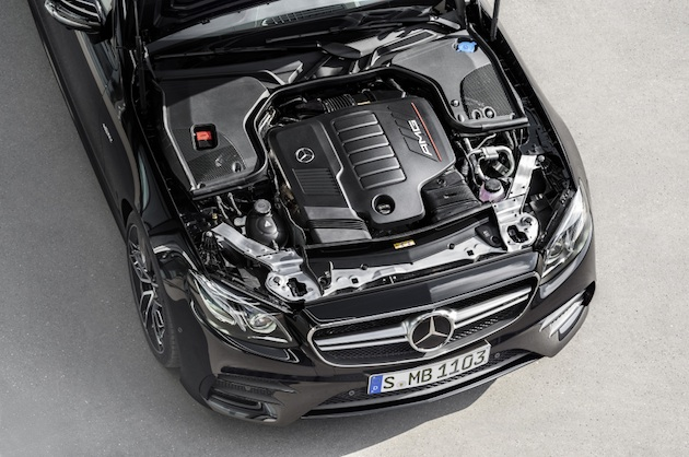 Mercedes-AMG E 53 4MATIC+ Coupé; Exterieur: obsidianschwarz metallic, Motorraum;Kraftstoffverbrauch kombiniert: 8,4 l/100 km; CO2-Emissionen kombiniert: 200 g/km*Mercedes-AMG E 53 4MATIC+ Coupé; exterior: obsidian black metallic, engine ;fuel consumption combined: 8.4 l/100 km; CO2 emissions combined: 200 g/km*